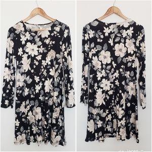 Dresses & Skirts - 4 for $25 floral long sleeve swing dress